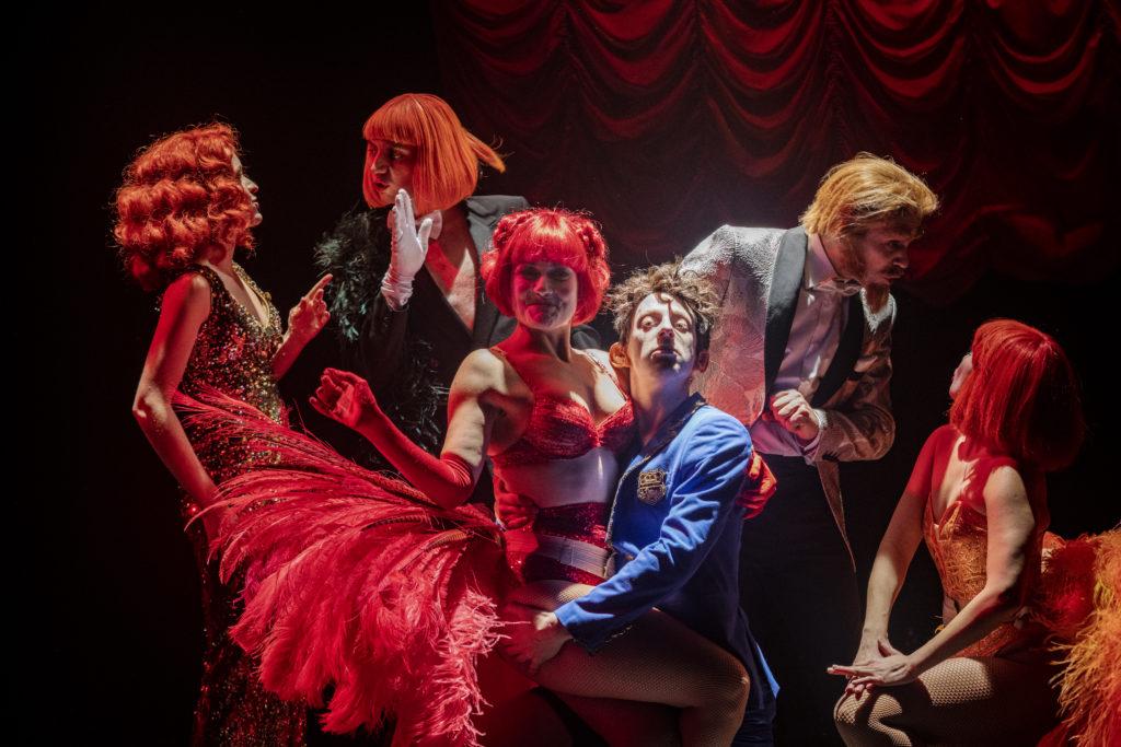Photo de répétition ©Mario Del Curto / Jeanne Pasquier, Audrey Saad, Simon Bonvin, Angèle Humeau, Cyril Romoli et Jonathan Diggelman
